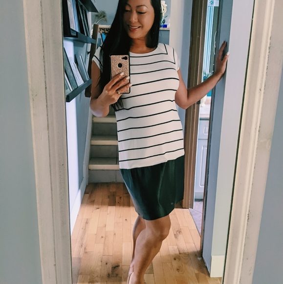 ❄️ 3/$25 Black & White Striped Shirt Dress Leather